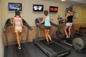 Фитнес тренировка на участниците   LuckyFit