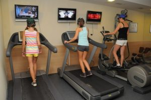 Participants activities at the hotel | LuckyFit
