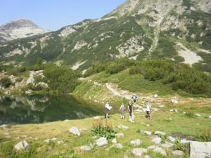 Hike near to a mountain lake