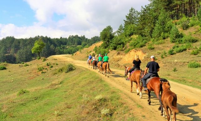 Horse riding | Lucky Fit