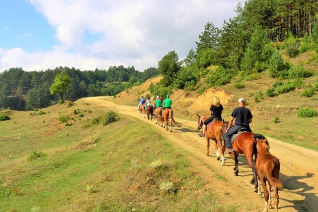 Лъки Фит програма за отслабване без глад   Конна езда