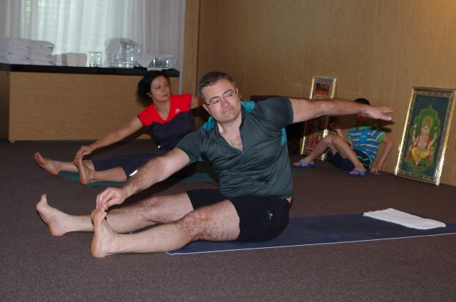 Йога упражнения   LuckyFit