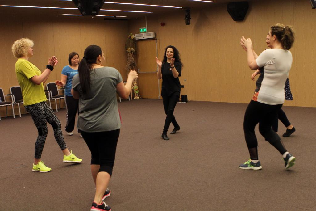 Латино танци в дебелариум Лъки Фит
