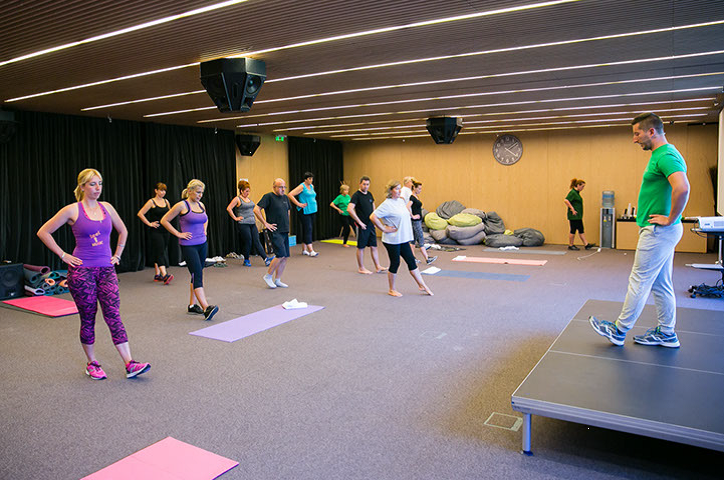Сутрешни упражнения за отслабване | LuckyFit