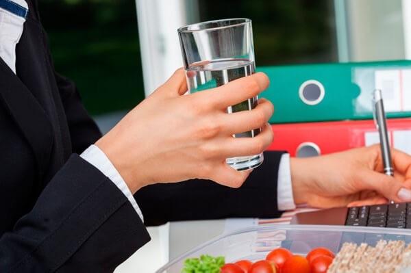 Perte de poids avec de l'eau | LuckyFit