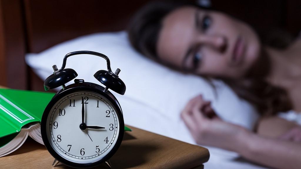 Проблеми със съня и напълняване   LuckyFit