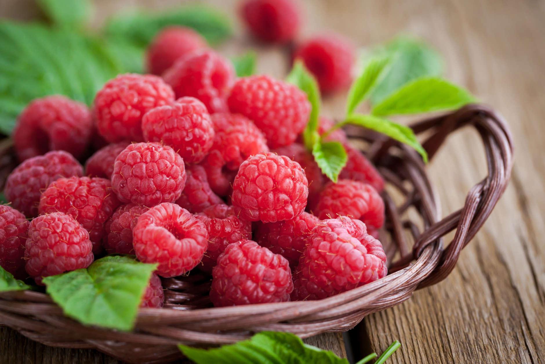 Healthy breakfast - Raspberries   LuckyFit