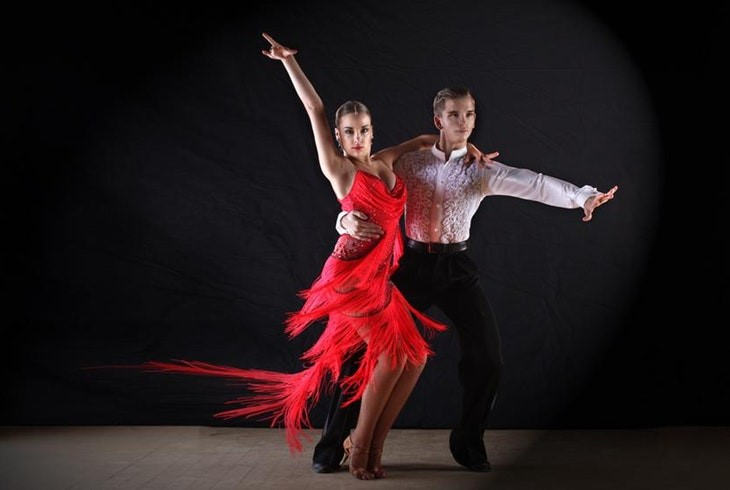 Losing weight with salsa dances | LuckyFit