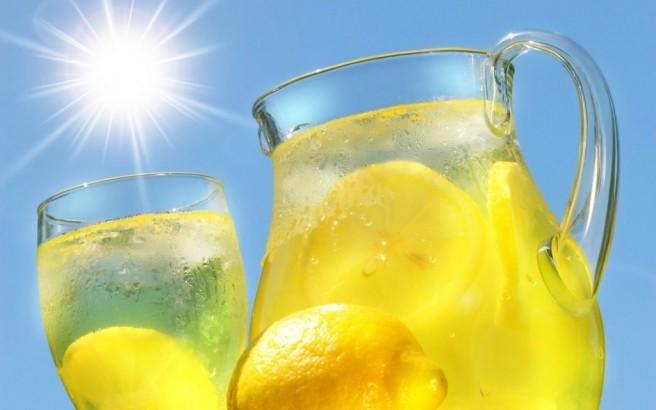 Detoxification with lemons   LuckyFit