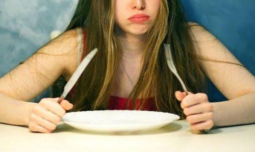 Рискове от агресивните диети за отслабване