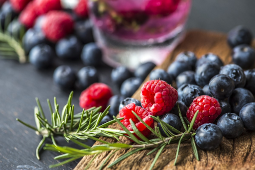 Blueberries and blackberries for slimming