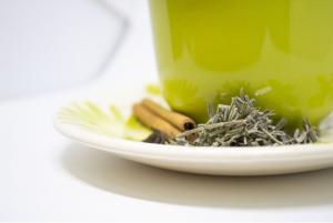 Бял чай - ползи и отслабване